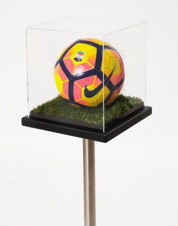 teca per pallone con piedistallo